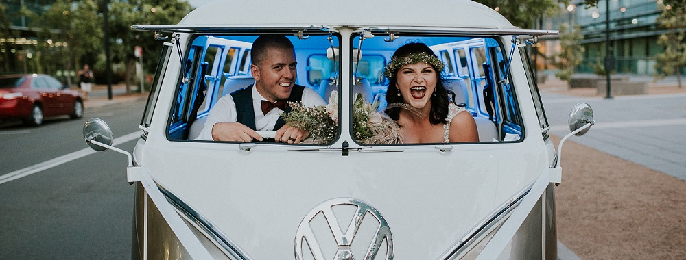 Zoe & Kyle's Coastal Vibe Wedding