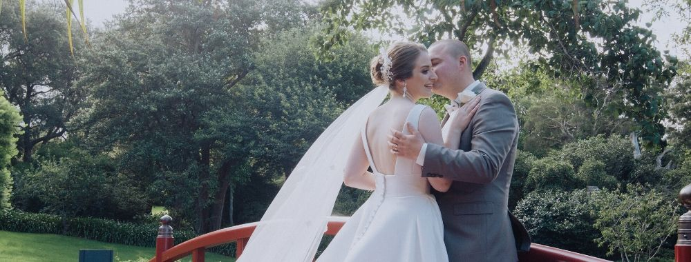 Jana & Lachlan's Simply Beautiful Wedding